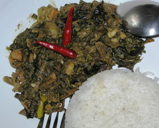 Laing (Taro Leaves In Coconut Milk)